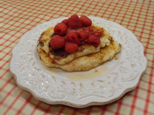 Cheescake Pancakes with Berry-Lemon Syrup