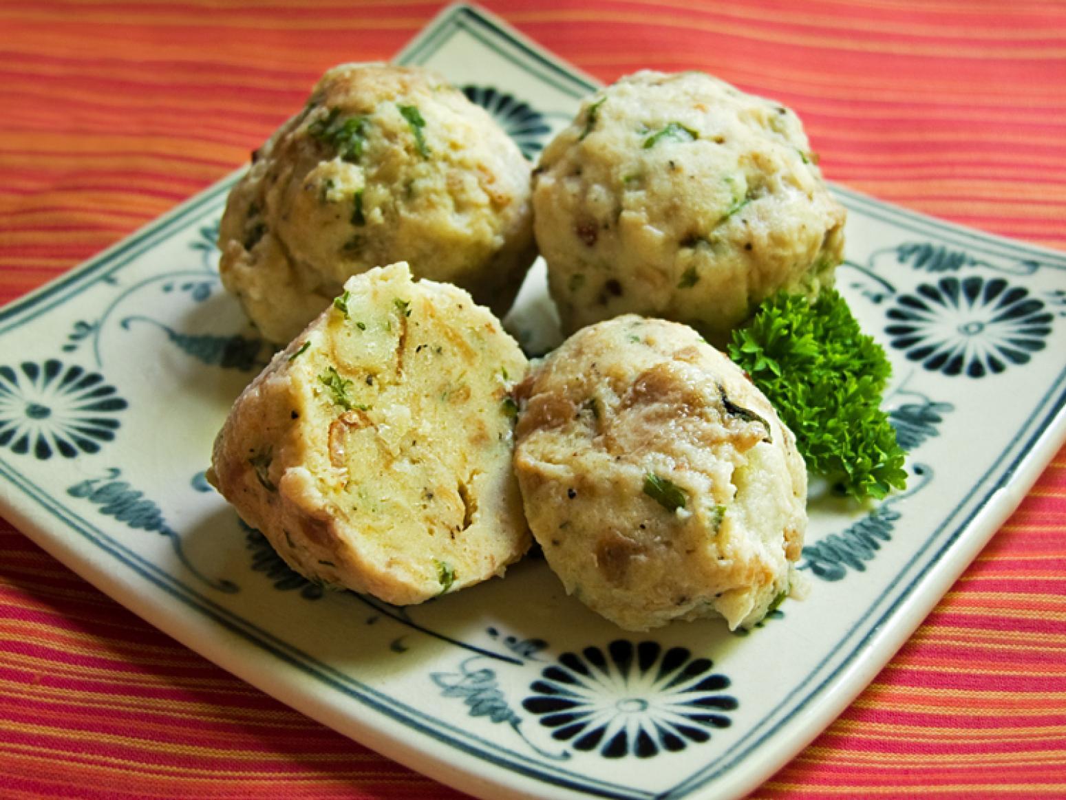 Knodles (German Bread Dumplings) Recipe