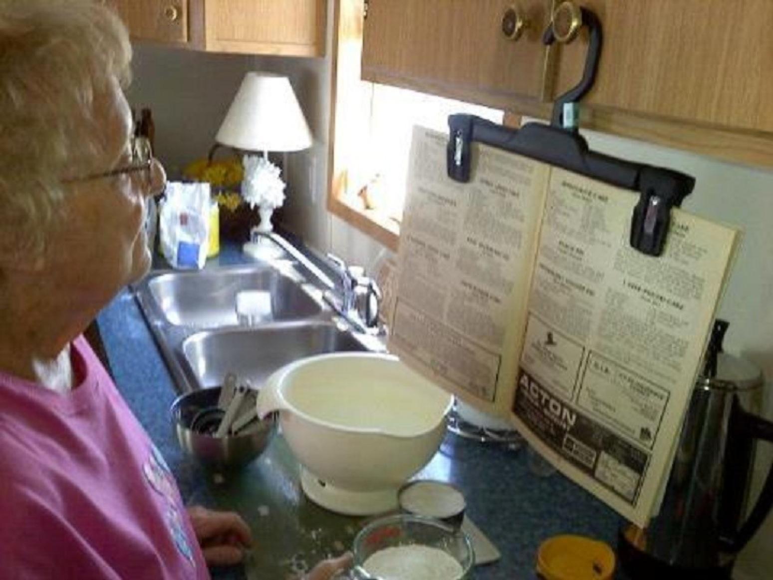 Homemade Cookbook Hanger...Cin Recipe
