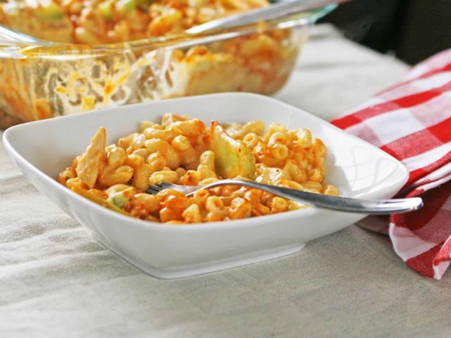 Buffalo Chicken Mac and Cheese Recipe | Just A Pinch Recipes