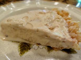 KRISPY CARAMEL CREAM PIE -- BONNIE'S Recipe