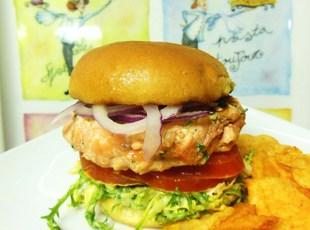 3 Cuisine Grilled Mini Salmon Burgers Recipe