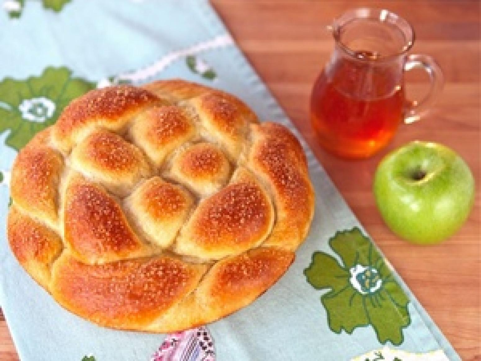 Apple Honey Challah Recipe | Just A Pinch Recipes