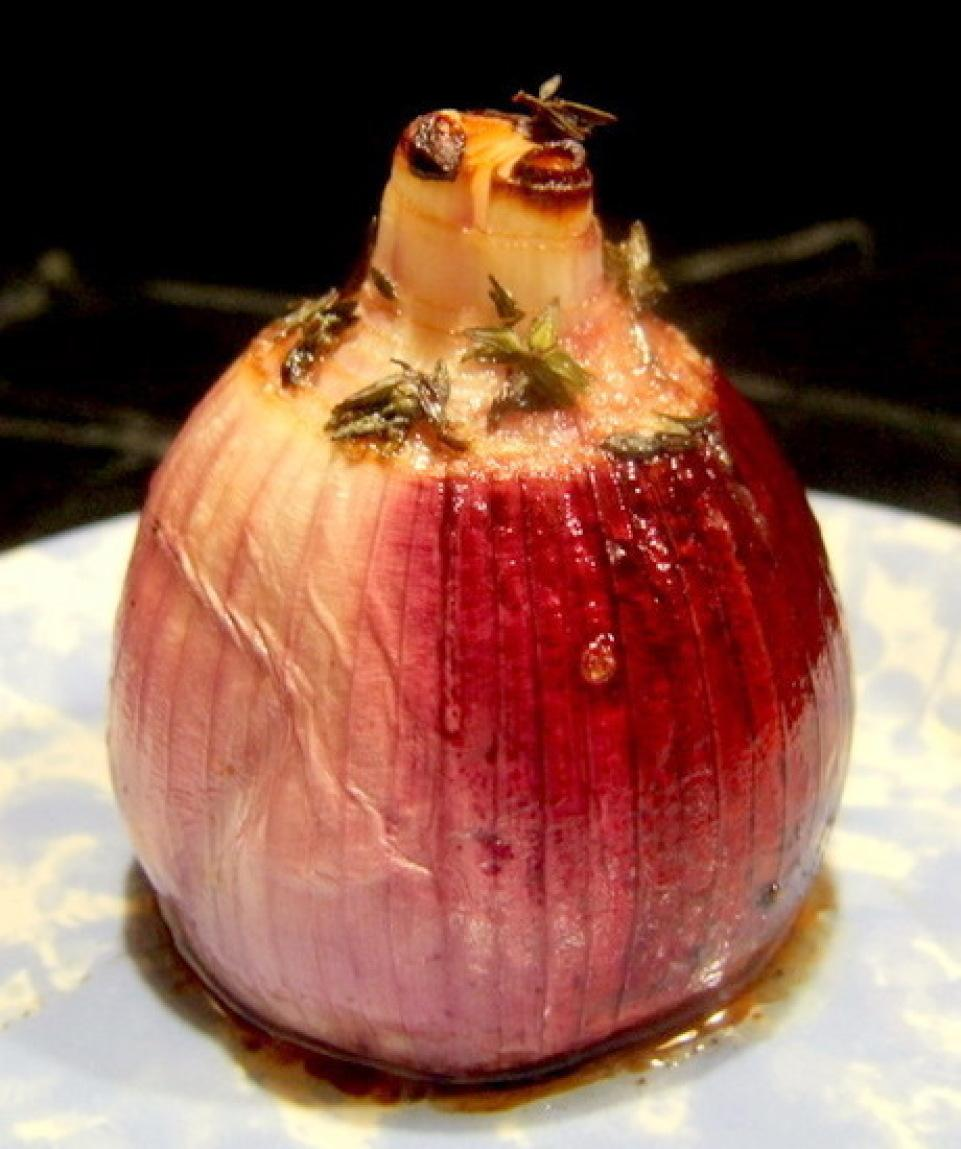 Roasted Onions with Balsamic Vinegar and Thyme Recipe ...