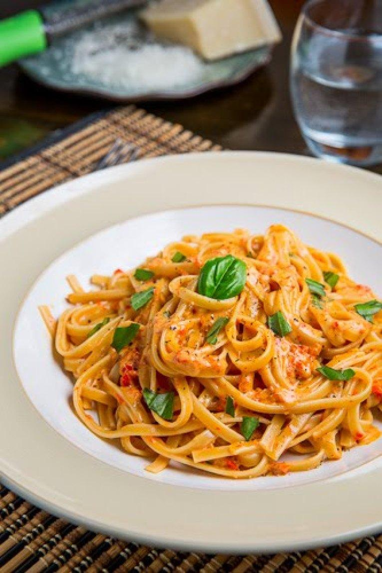 Roasted Red Pepper and Goat Cheese Alfredo Pasta Recipe ...