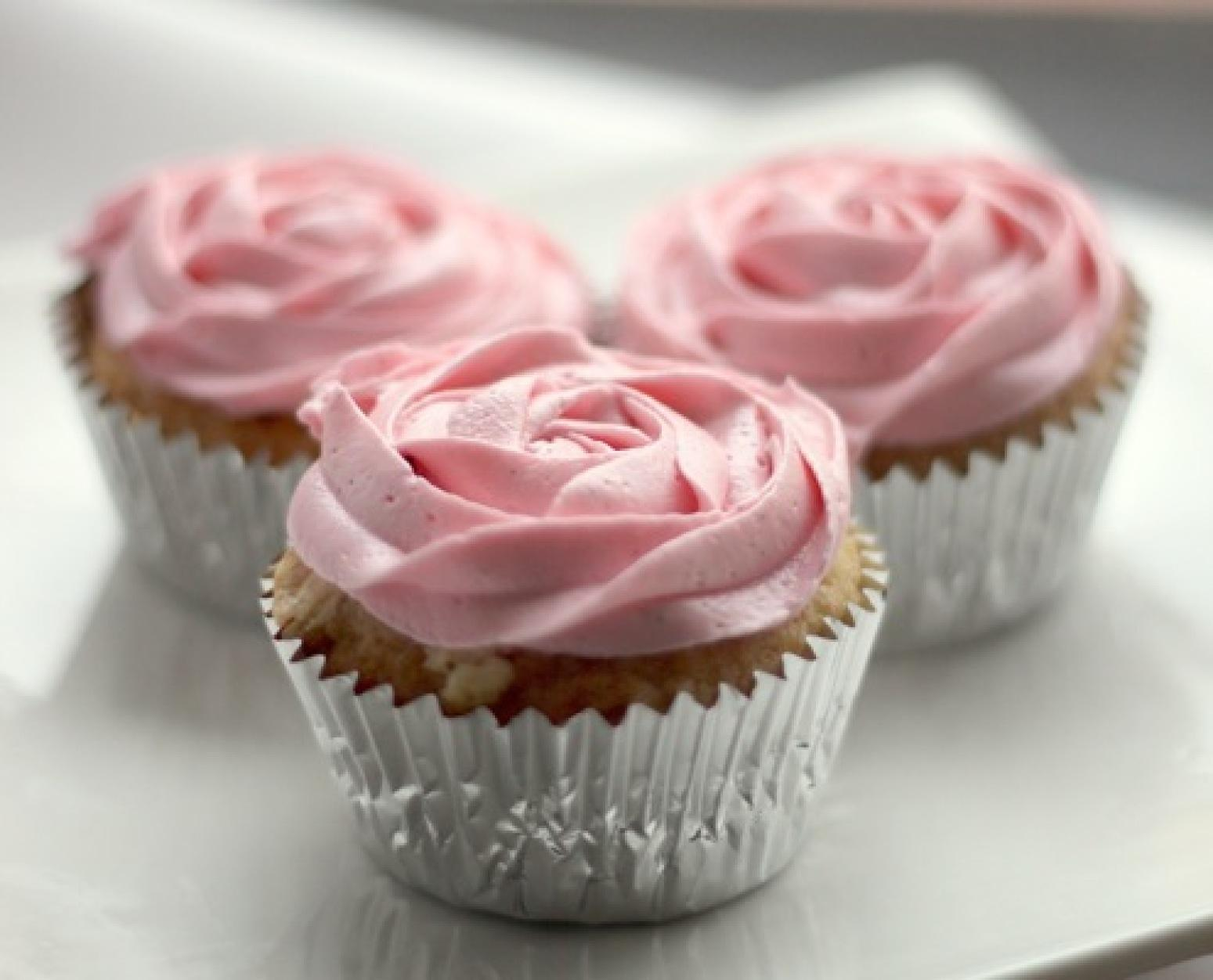 Chocolate Raspberry Cupcakes White Chocolate Raspbe...