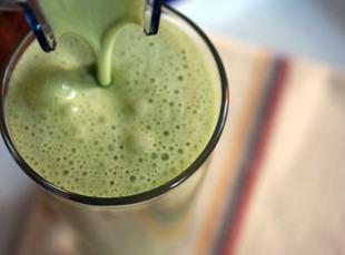 Matcha Green Tea Shake (SUPER HEALTHY)