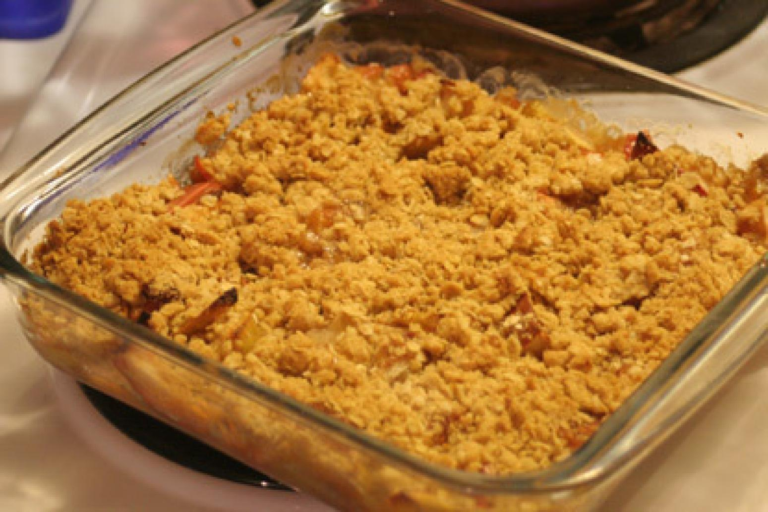 Mum's Apple Crisp Recipe 25 | Just A Pinch Recipes