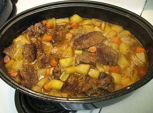 Thyme and Garlic Chuck Roast w/Veggies Recipe