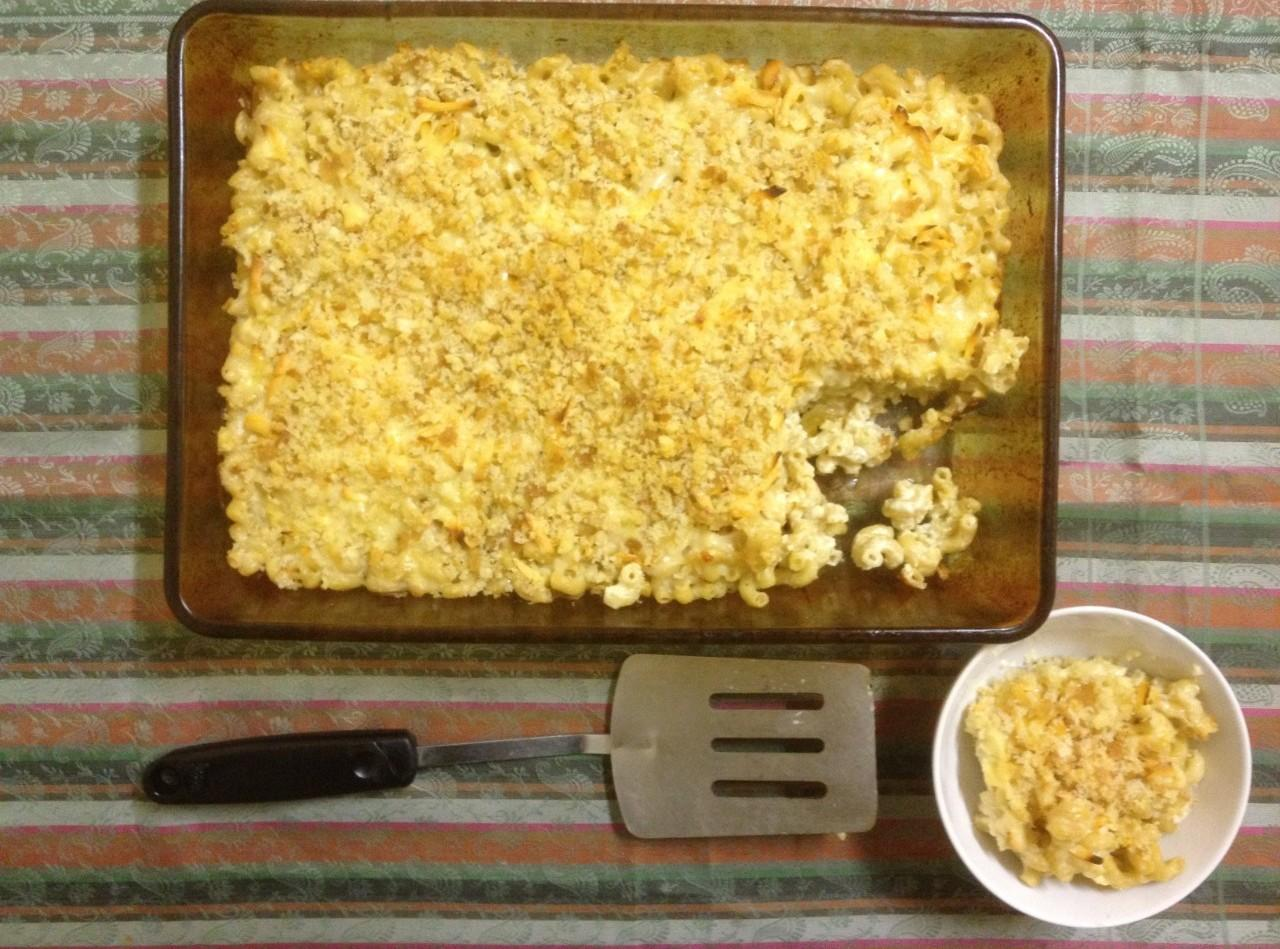 Smoked Gouda Macaroni and Cheese Recipe | Just A Pinch Recipes