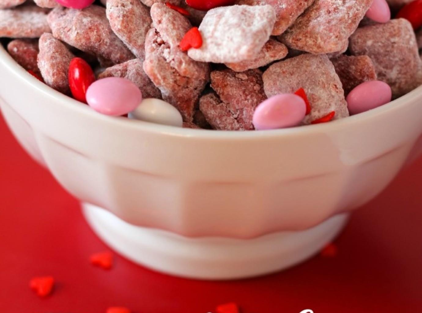 Red Velvet Puppy Chow Recipe