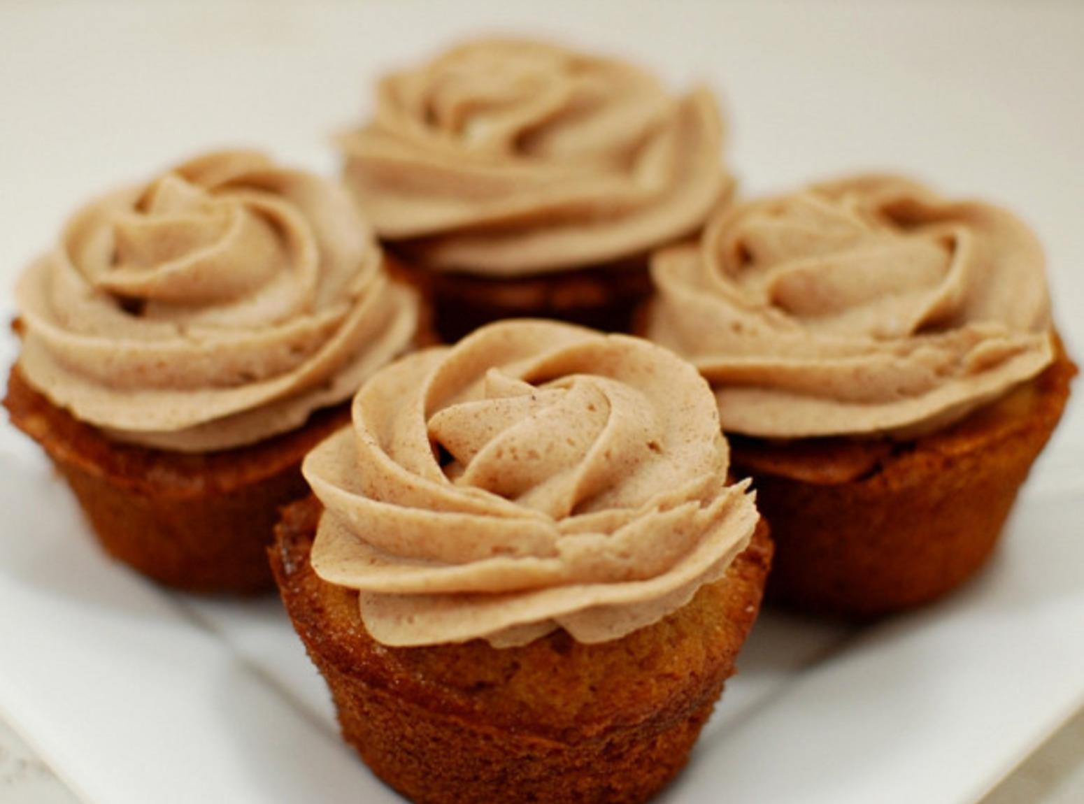 SNICKERDOODLE CUPCAKES W/CINNAMON BUTTERCREAM FROSTING Recipe