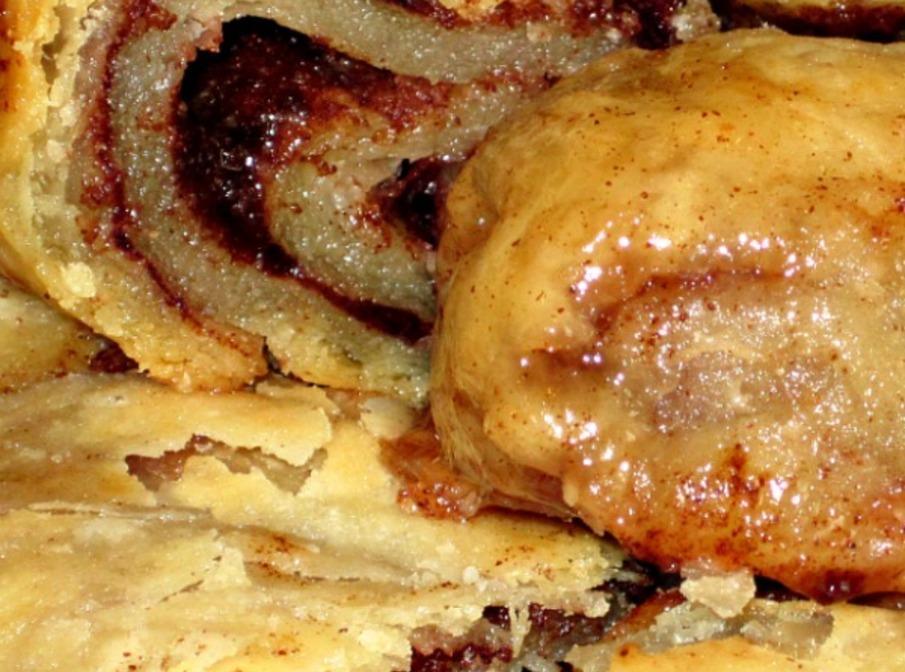 No Yeast Gooey Cinnamon Roll Recipe | Just A Pinch Recipes