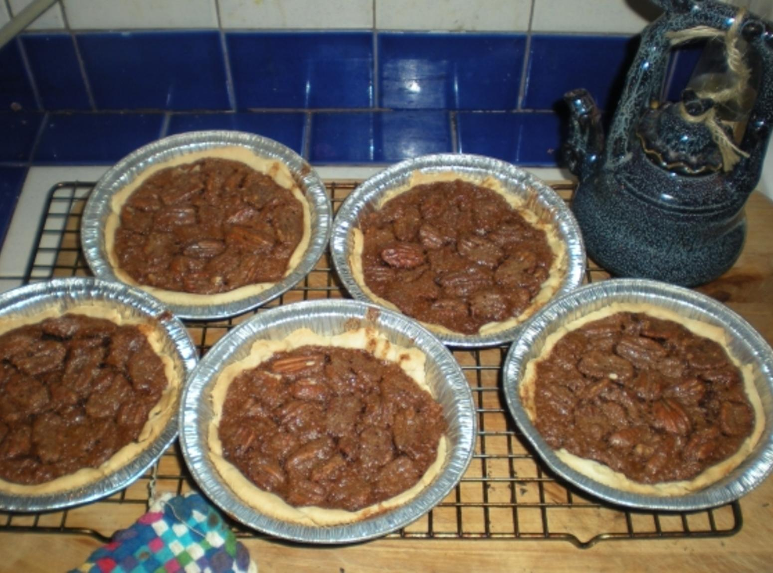 Chocolate Bourbon Pecan Tassies Recipe