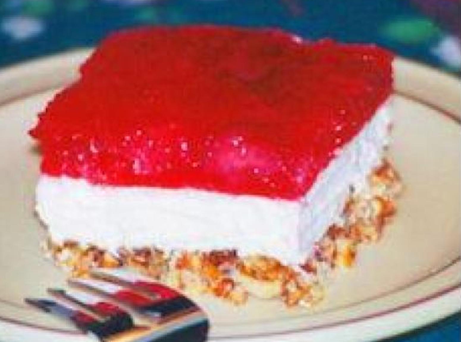 Cake Recipe With Strawberry Jello: Strawberry Jello-Pretzel Dessert Recipe
