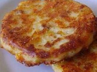 Bacon Cheddar Potato Cakes made from leftover mashed potatoes Recipe ...