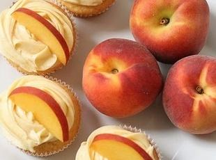 Peach cupcake with peach cream cheese Recipe