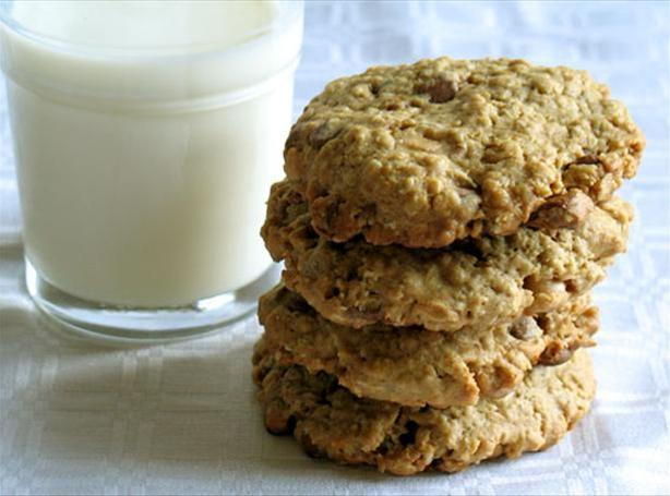 Oatmeal Peanut Butter Chocolate Chip Cookies Recipe 2 | Just A Pinch ...