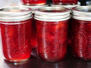 Homemade Strawberry Preserves Recipe