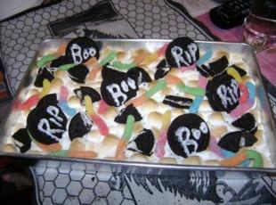 *HALLOWEEN/GRAVE YARD BROWNIE*... Recipe