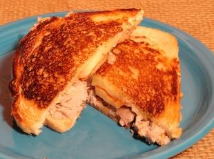 Pulled Pork and Apple Grilled Cheese Sandwiches Recipe
