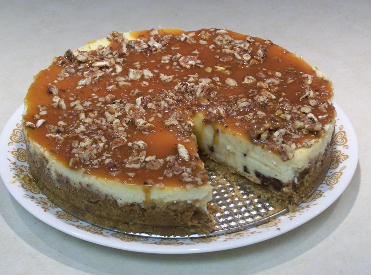 Turtle Cheesecake / Turtle Cheesecake Bars Recipe