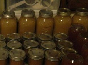 Homemade Spiced Apple Sauce