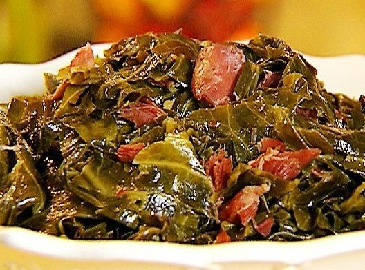 how to give collard greens flavor
