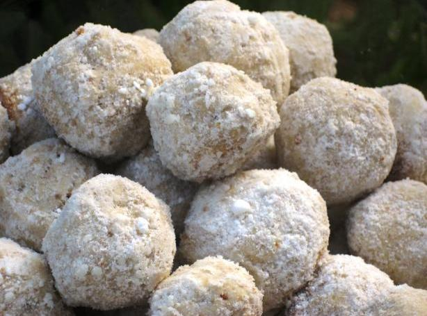 Russian Tea Cakes Recipe 4 | Just A Pinch Recipes