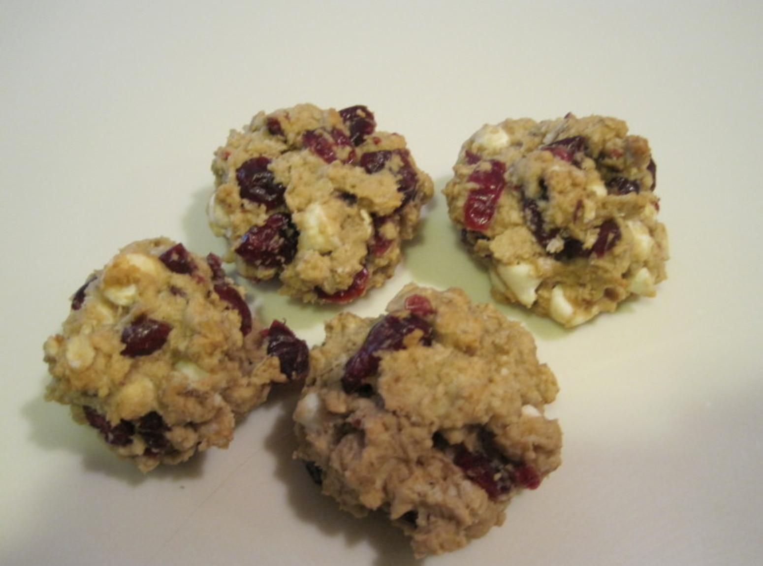 Rose's White Chocolate/Oatmeal and Cherry Craisin Cookies Recipe