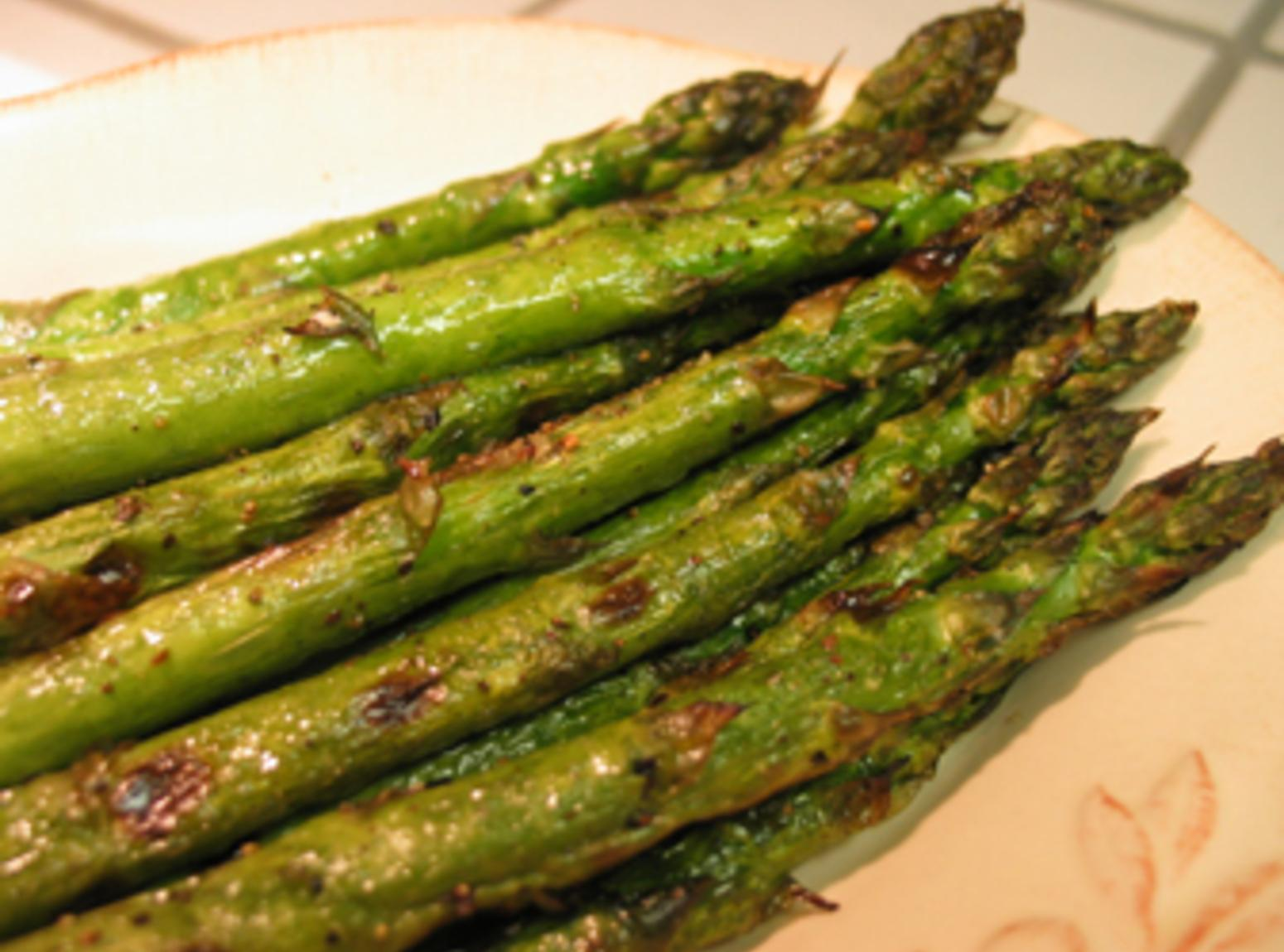 asparagus grilled asparagus tartines with fresh ricotta pesto and ...