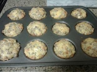 Cheesy Sausage and Egg Muffins Recipe