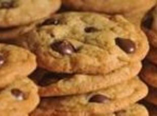 TOLL HOUSE CHOCOLATE CHIP COOKIES BY A TOLL