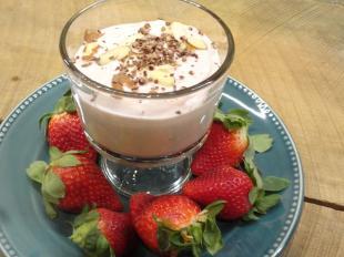 Amaretto Dip with Strawberries
