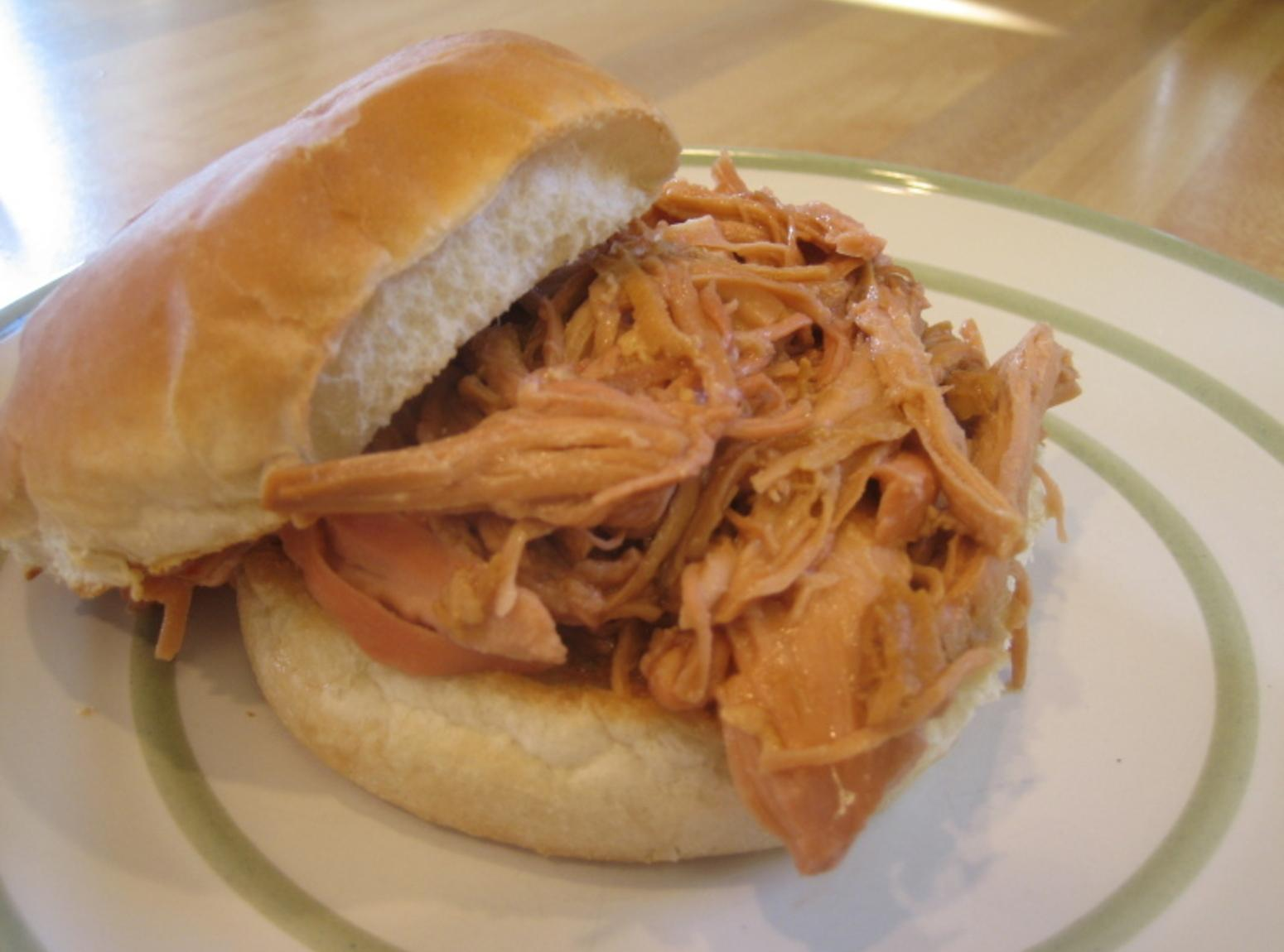 Zesty Crock Pot BBQ Chicken sandwiches Recipe