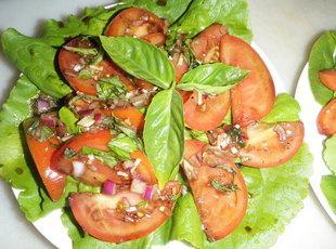 Tomato & Basil Salad by The City Tavern Recipe