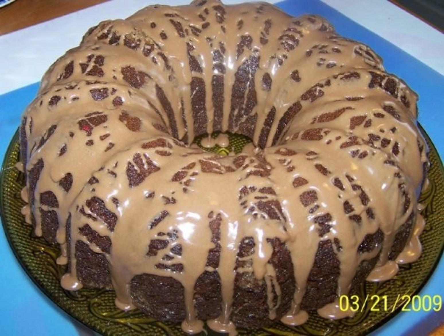 Cin's Strawberry-Chocolate Pound Cake Recipe