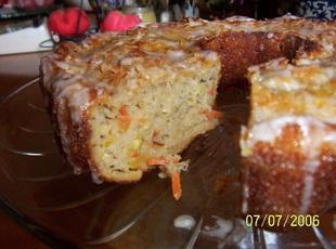 ''Cin's Super-Moist Zucchini Cake'' Recipe
