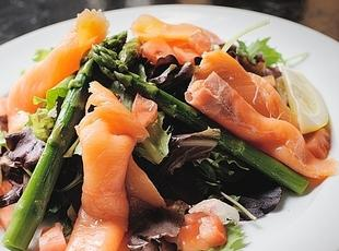 Asparagus & Smoked Salmon Salad Recipe