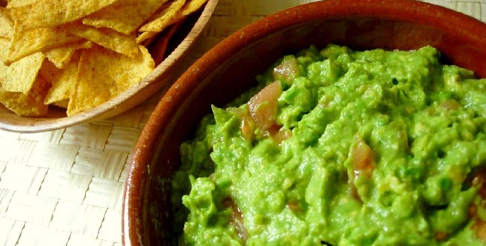 Simple Authentic Guacamole Recipe | Just A Pinch Recipes