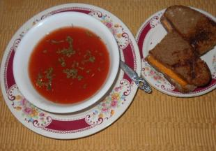 SPICY CLEAR  TOMATO SOUP W/a VEGG BASE