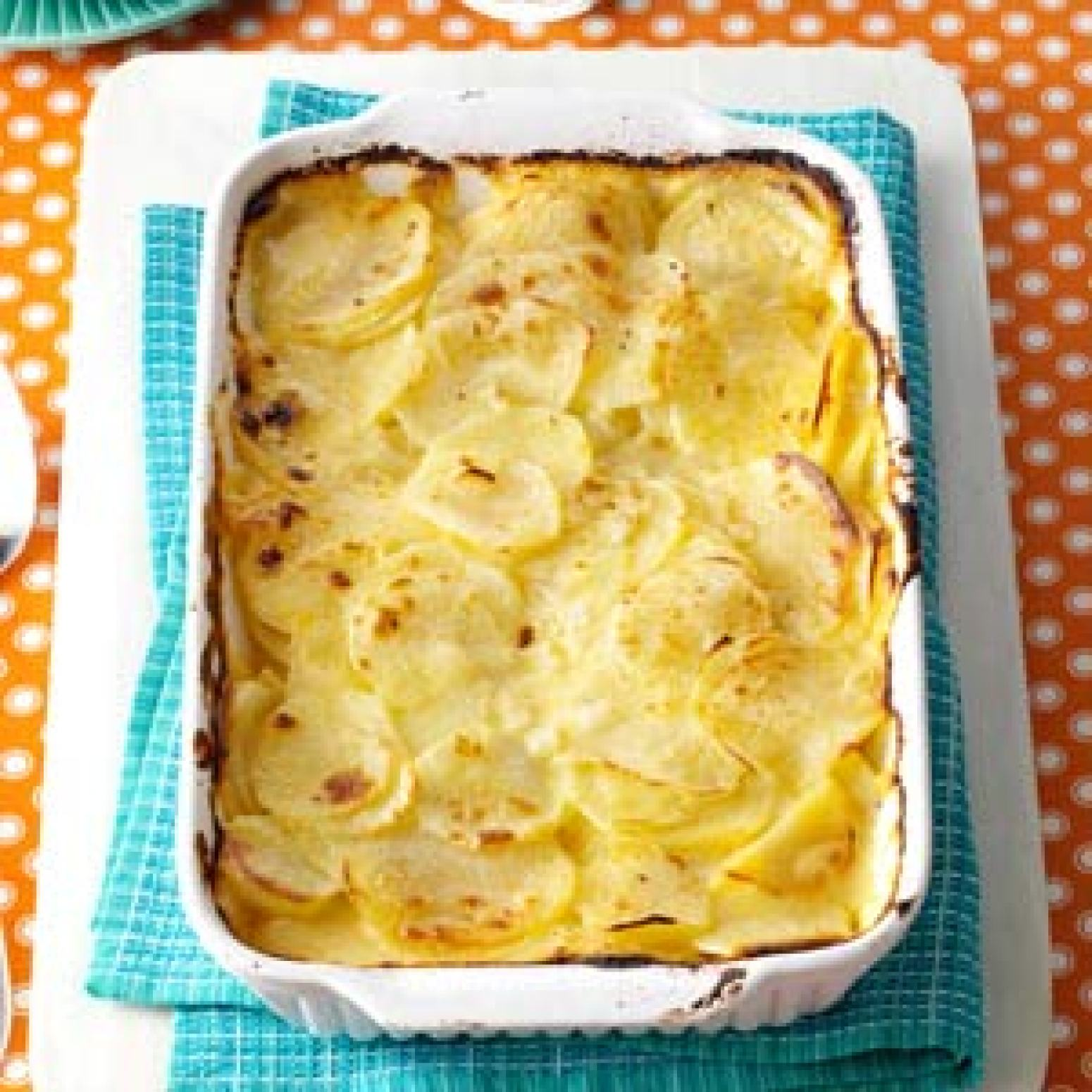 Simple Au Gratin Potatoes Recipe | Just A Pinch Recipes