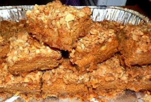 Pumpkin Spice Streusel Bars Recipe