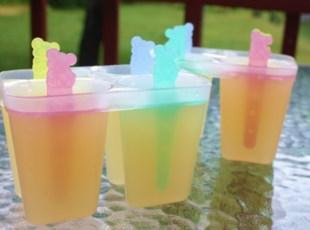 In the good ole summertime Lemonade popsicles Recipe