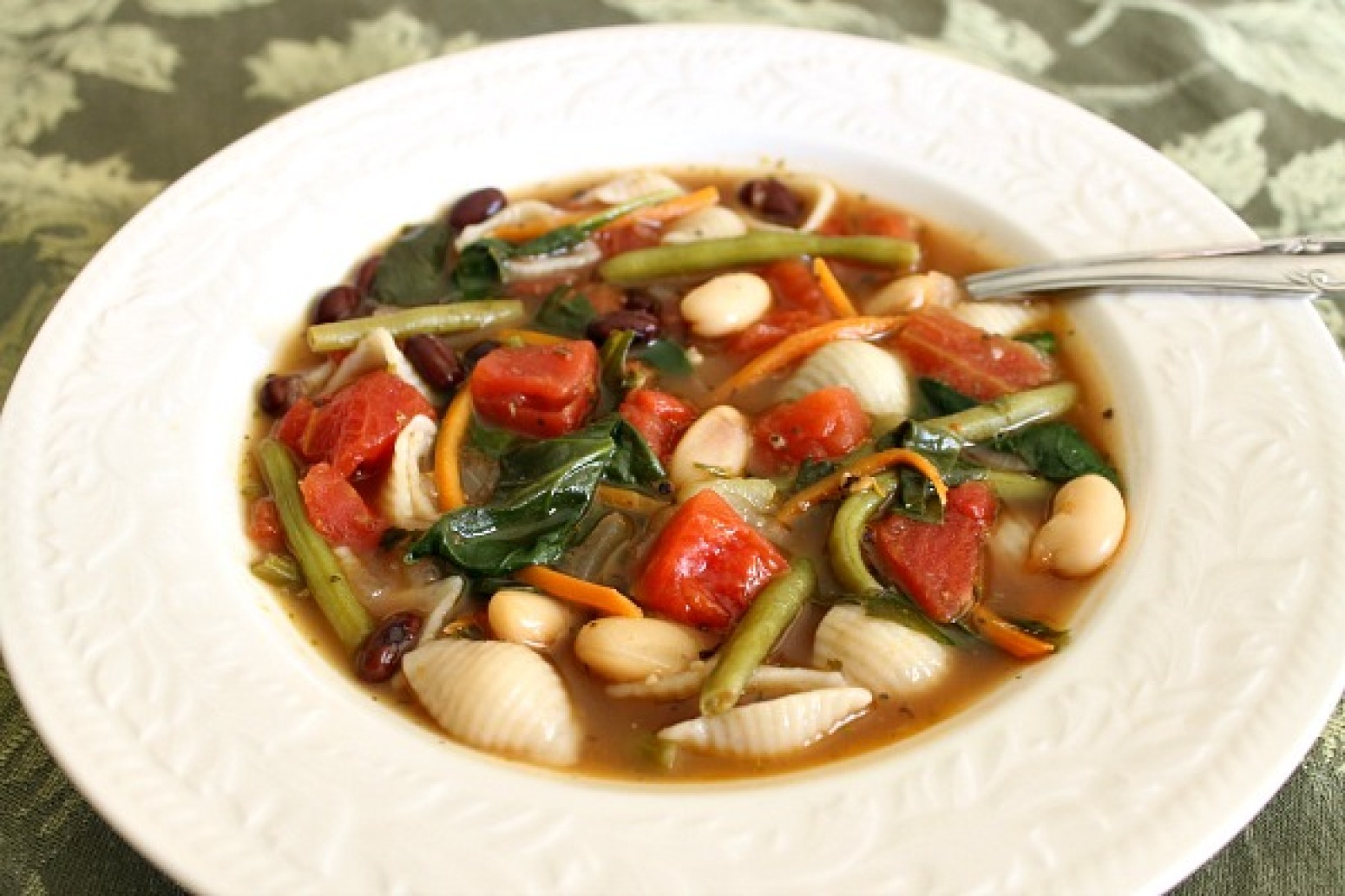 Vegetable garden minestrone soup recipe just a pinch recipes - Minestrone soup olive garden recipe ...