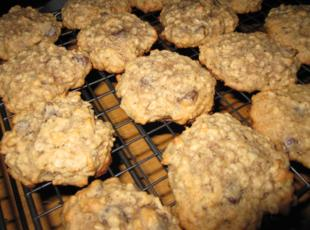 Irresistible Banana Oatmeal Chocolate Chip Cookies Recipe