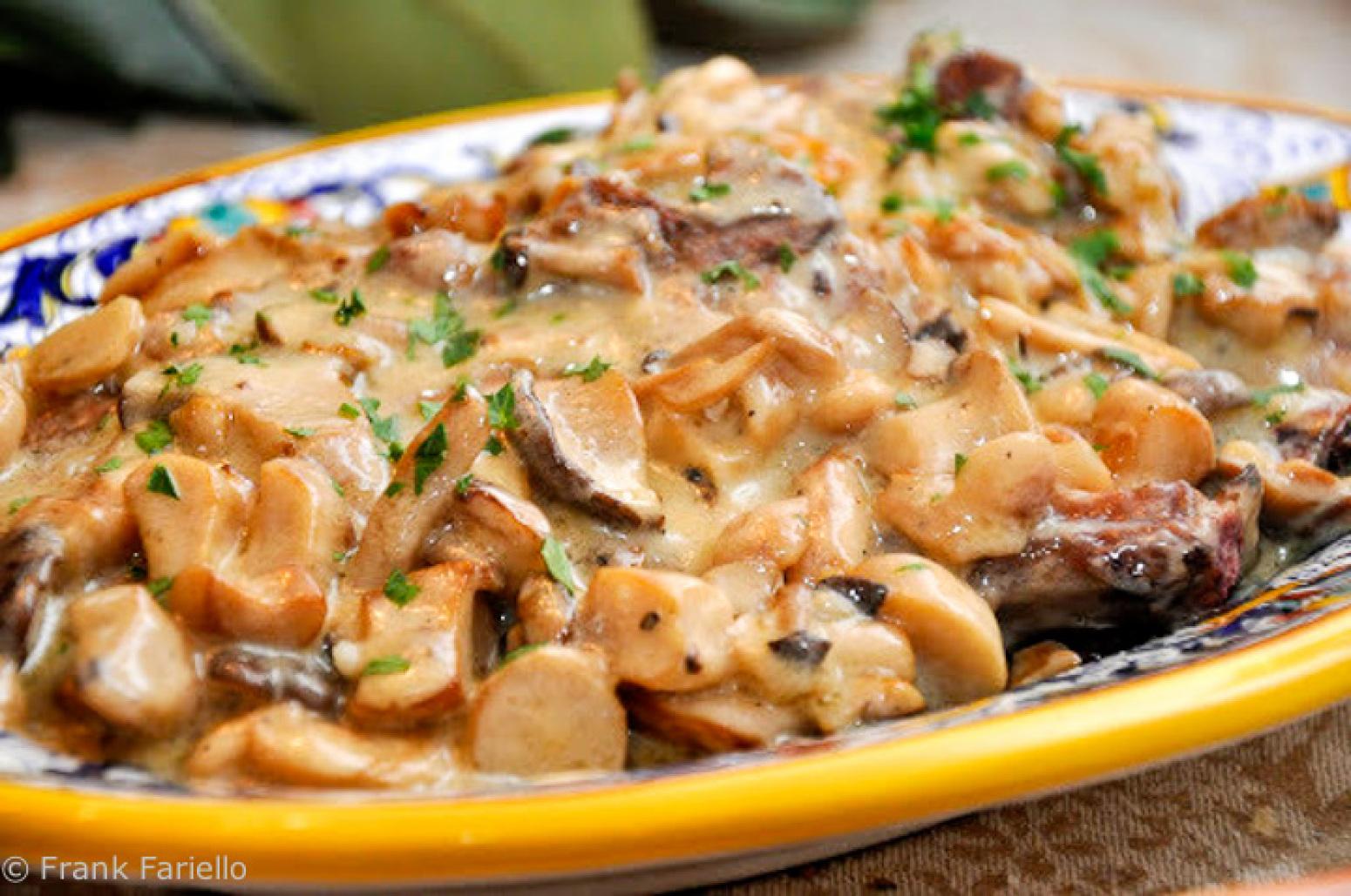 Куриные отбивные с грибами и сыром / Блюда из курицы / TVCook