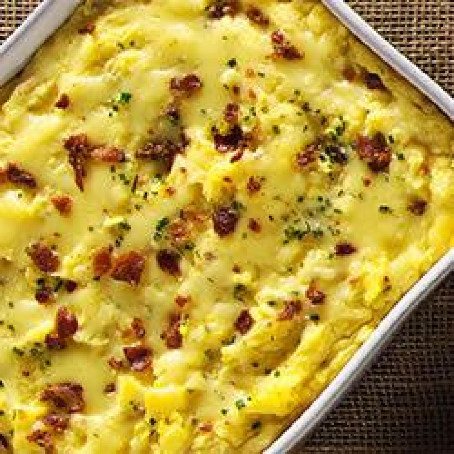 Garlic Mashed Potatoes with Roasted Garlic Cheddar and Bacon Recipe ...