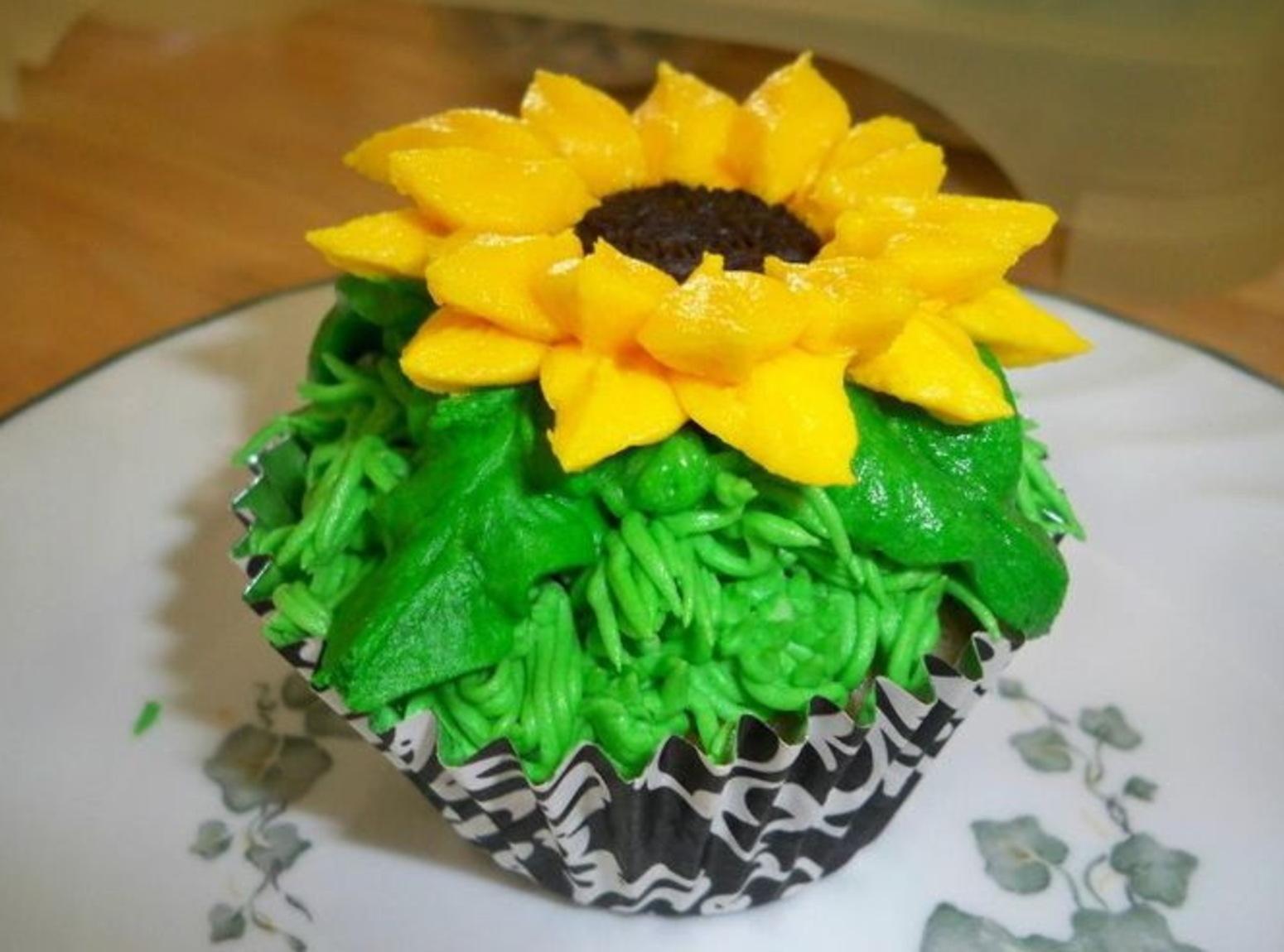 Oreo Sunflower Cupcakes Recipe
