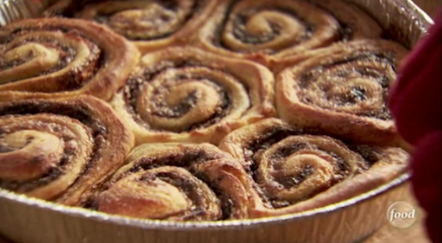 Pioneer Woman's Cinnamon Rolls Recipe — Dishmaps